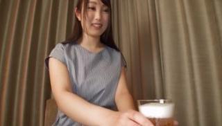 [SOAV-056] Pha thuốc kích dục vào bia cho bạn thân uống